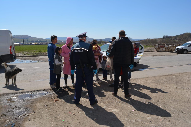 Romákat igzaoltat a rendőrség Hargita megyében | Forrás: Agerpres