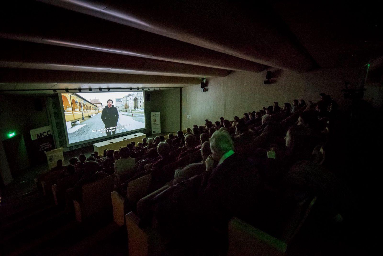 A Magyarok Romániában dokumentumfilm vetítése a Sapientia EMTE kolozsvári székhelyén | Forrás: RMDSZ