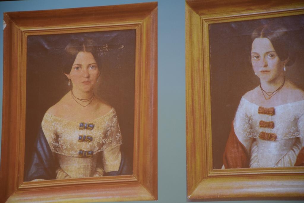 A Bruckhental-lányok, ismeretlen biedermeier festő alkotásai