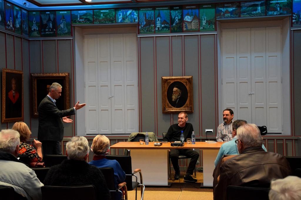 Nagy Péter, Nánó Csaba és Makkay József a Vallásszabadság Házában megrendezett könyvbemutatón | A szerző felvételei