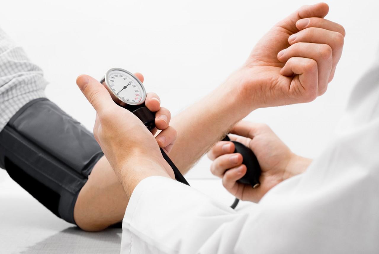Hipertenzív válság: tünetek és tünetek, válságfajták és kezelési módszerek