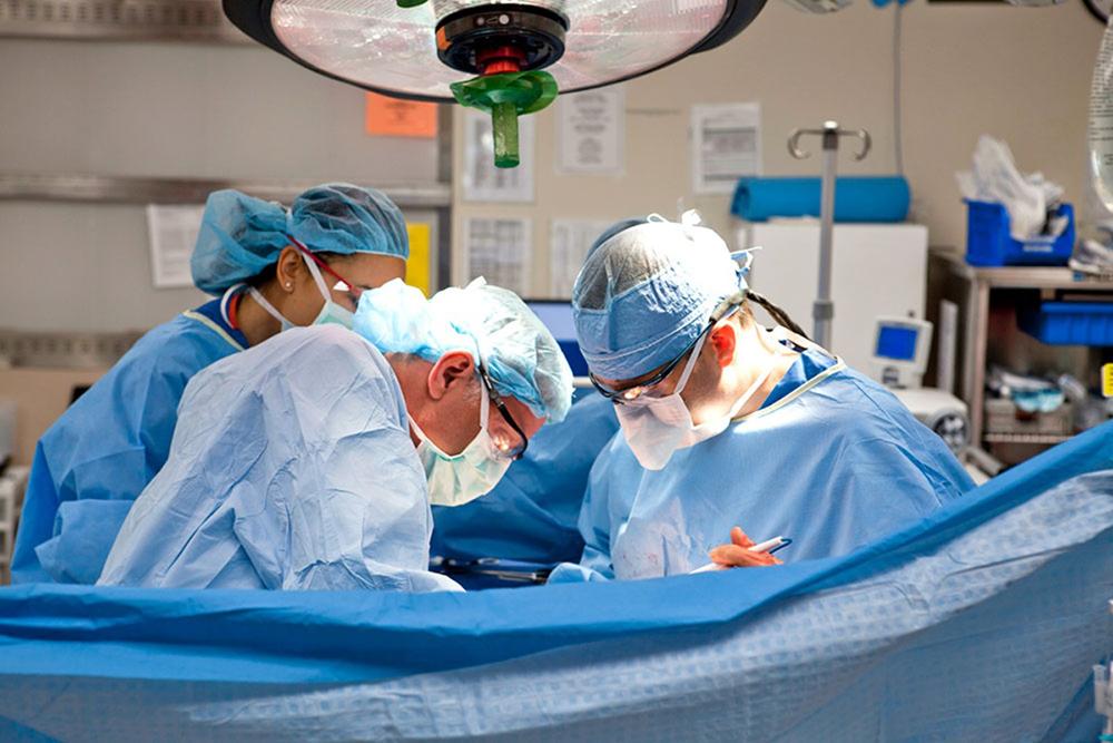 Négy életet mentettek meg a negyedik emeletről lezuhant férfi szerveinek átültetésével