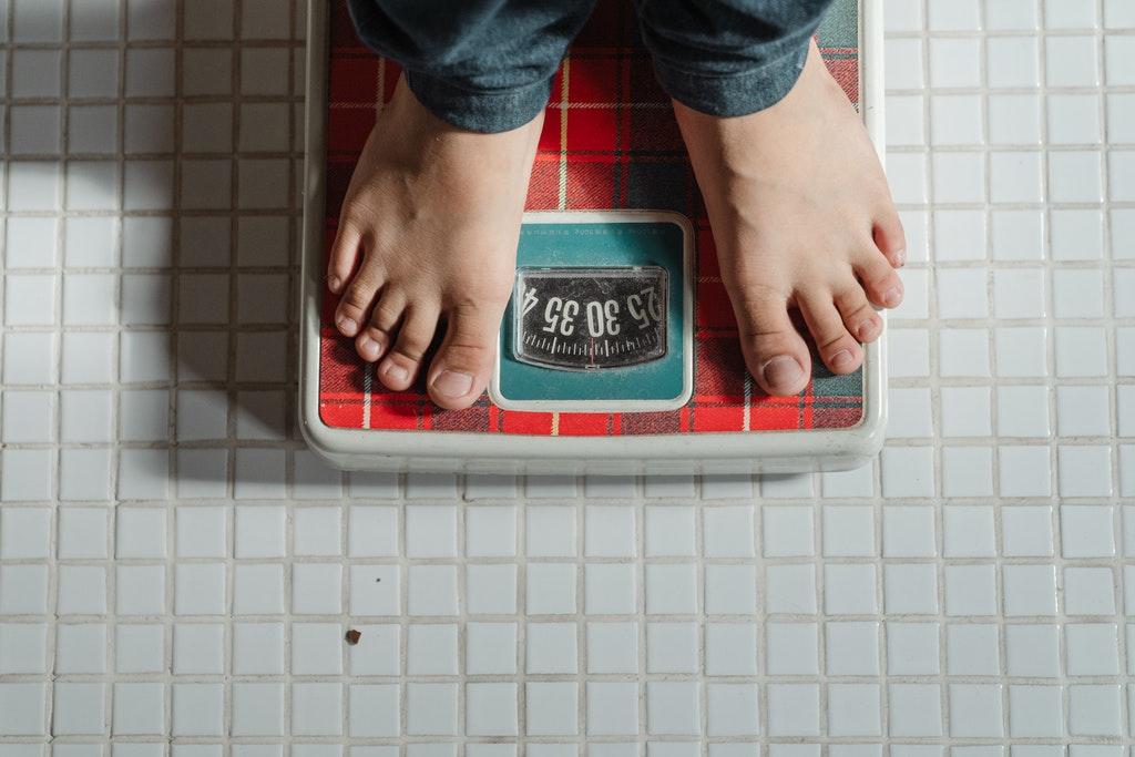 súlycsökkenés hasból és csípőből