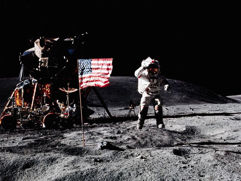 A NASA ismét a Holdra szállást tervezi és ott is maradna