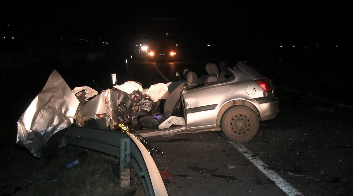 Szörnyethalt a sofőr a brutális autóbalesetben