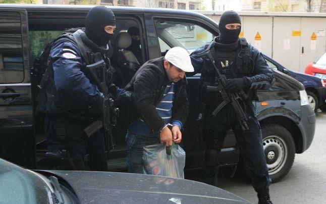 Döbbenet: elévülés miatt felmentettek Csíkszeredában egy gyerekkereskedő bűnbandát