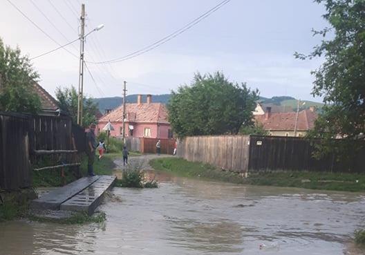 Másodfokú árvízriadó van több erdélyi megyében