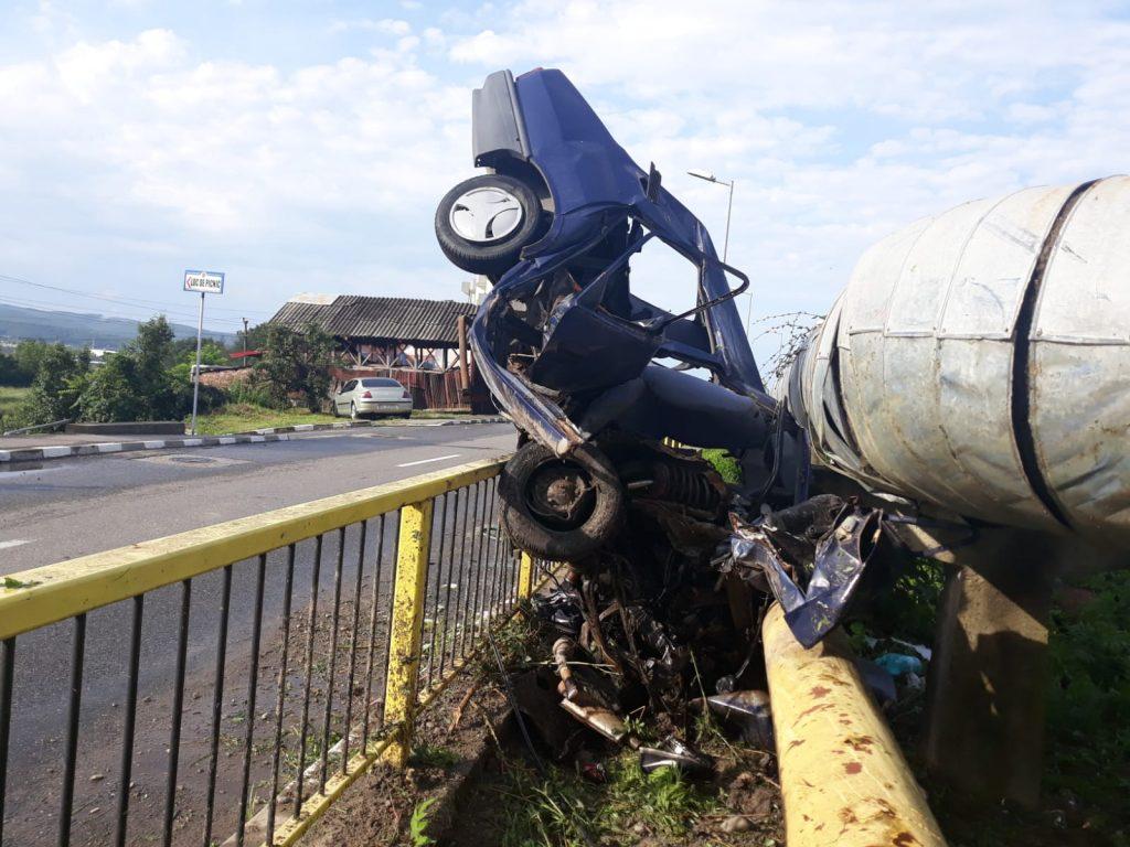 Autót loptak, majd súlyos balesetben megnyomorodtak a felelőtlen 16 éves fiatalok