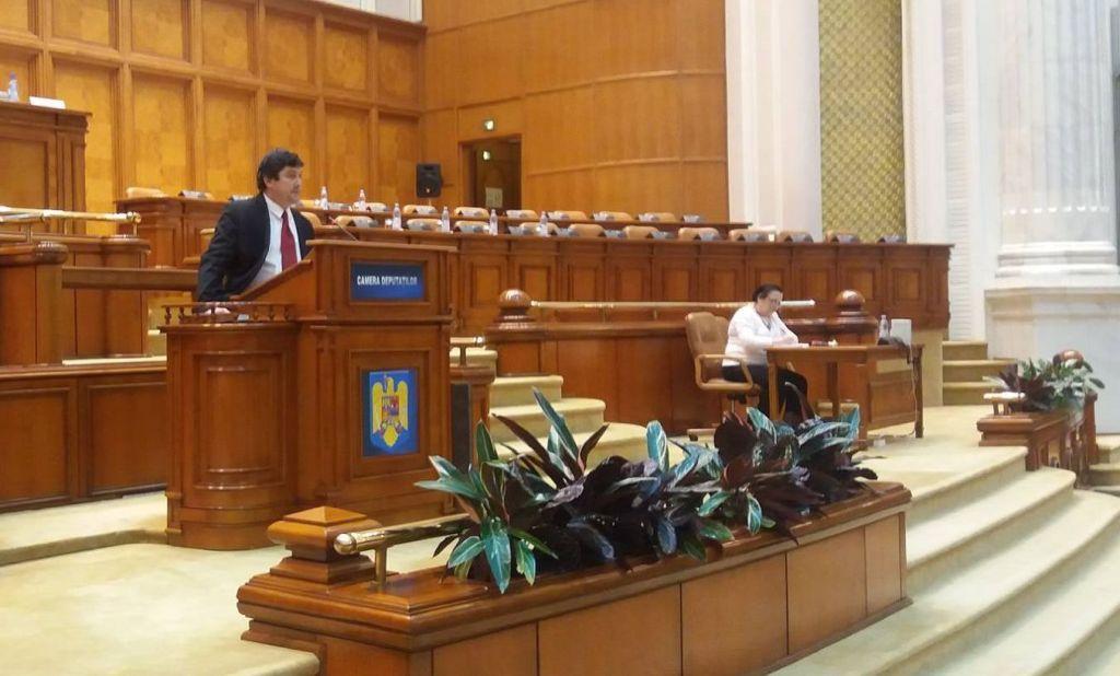 Kulcsár-Terza József: Üzenjük a bukaresti hatalomnak, hogy ne játszanak a tűzzel!