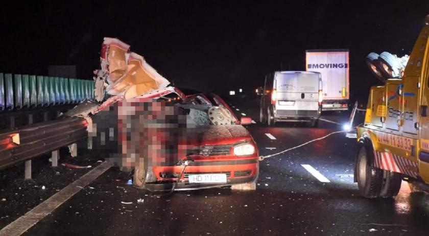Autópályán aludt el a sofőr, ketten meghaltak