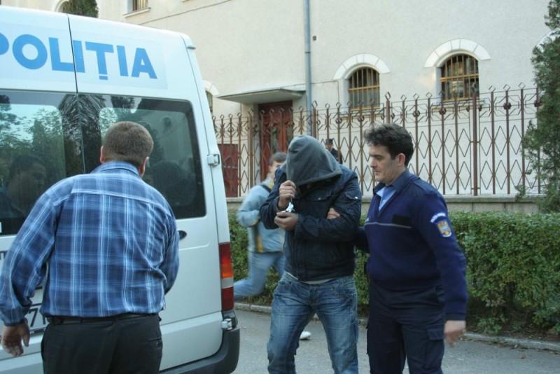 Szökésben lévő, veszélyes bűnözőt fogtak el a Hargita megyei rendőrök