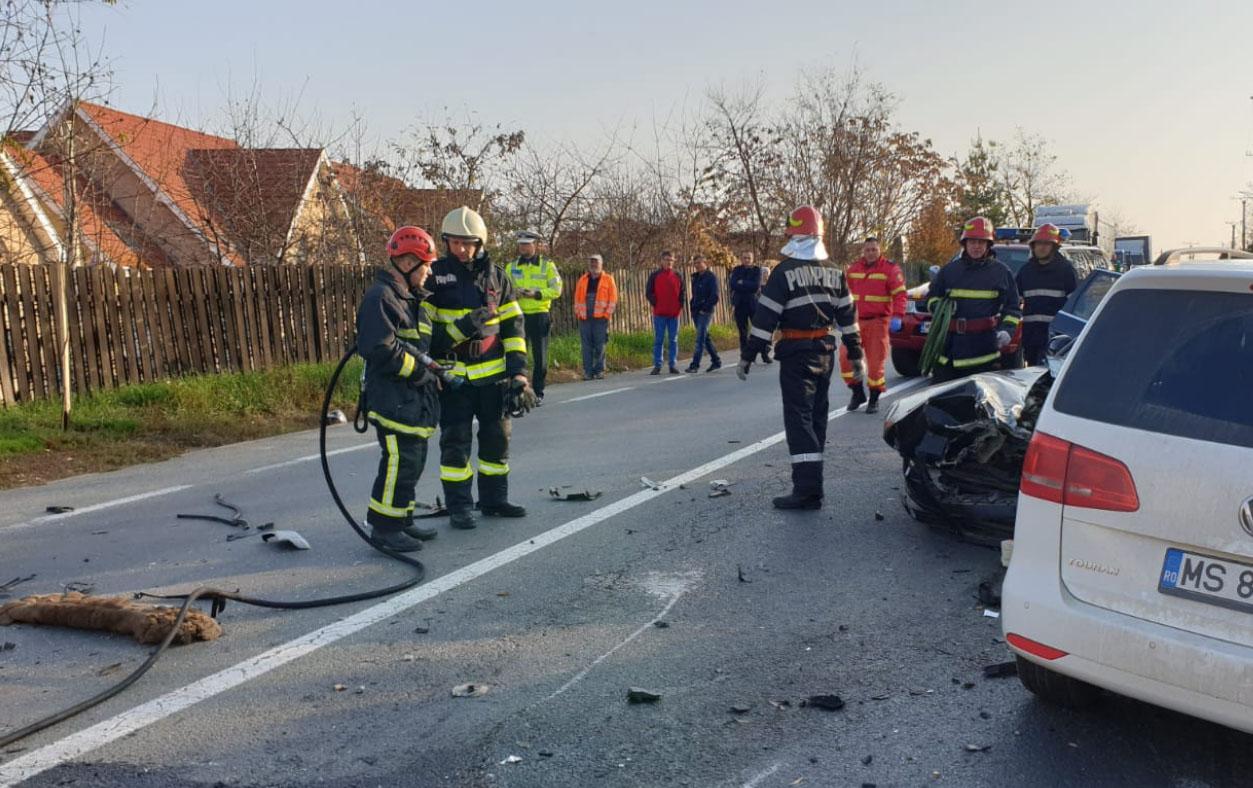Két személygépkocsi és egy kisteherautó ütközött Marosvásárhelyen