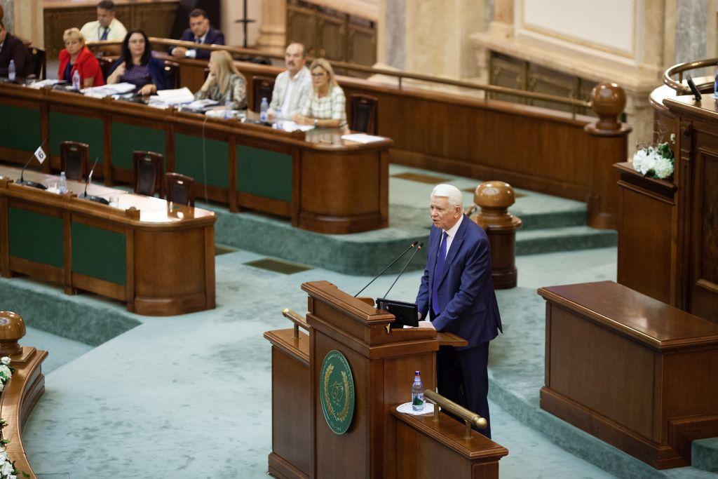 Bizalmatlansági indítvány: Meleşcanu a kormánynak drukkol