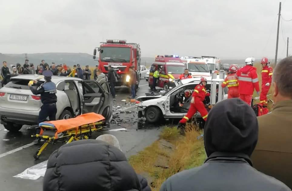 Jaguar ütközött Opellel, az Opel mind a négy utasa meghalt