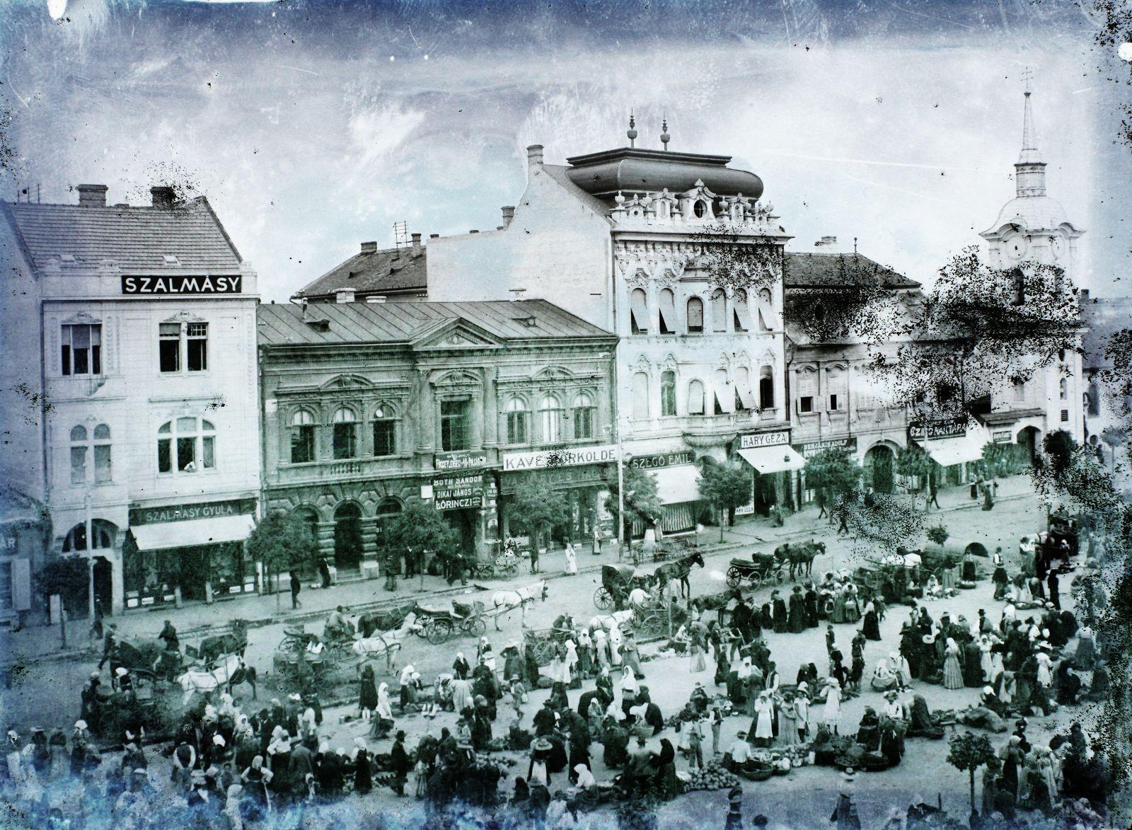Marosvásárhely főtere, amely piactérként is működött | Forrás: Fortepan