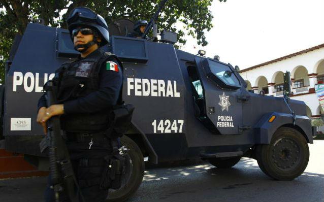 Fegyvert és rengeteg pénzt találtak román állampolgároknál Mexikóban