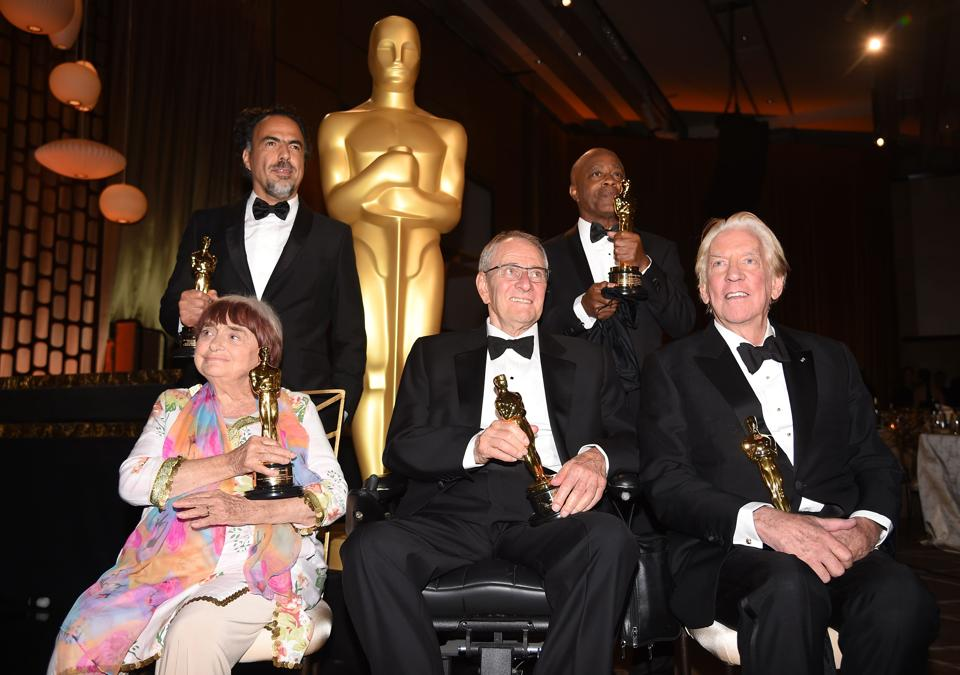 Agnes Varda, Alejandro González Inárritu, Owen Roizman, Charles Burnett és Donald Sutherland | Fotó: AFP
