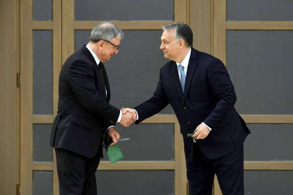 Maróth Miklós Orbán Viktor miniszterelnökkel   Fotó: MTI, Koszticsák Szilárd