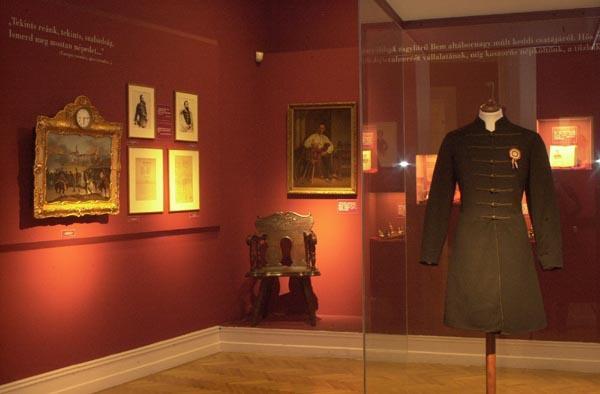 A Petőfi kiállítás fontos darabjai most már újrarendezve várják a látogatókat | Forrás: PIM