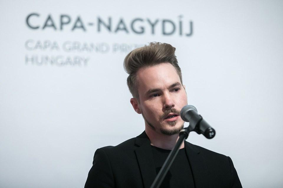 Bánhegyesy Antal a Capa-nagydíj átvételekor Budapesten