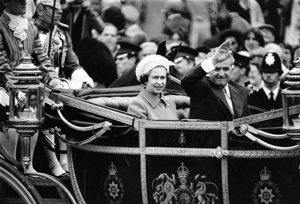 A diktátor és a királynő