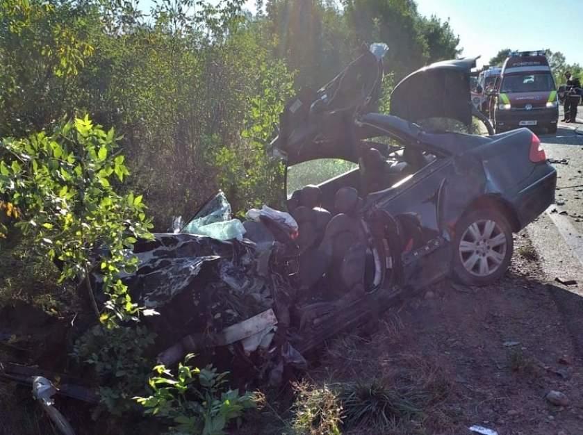 Halálos baleset Kolozsvár és Nagyvárad között, busszal ütközött egy Mercedes