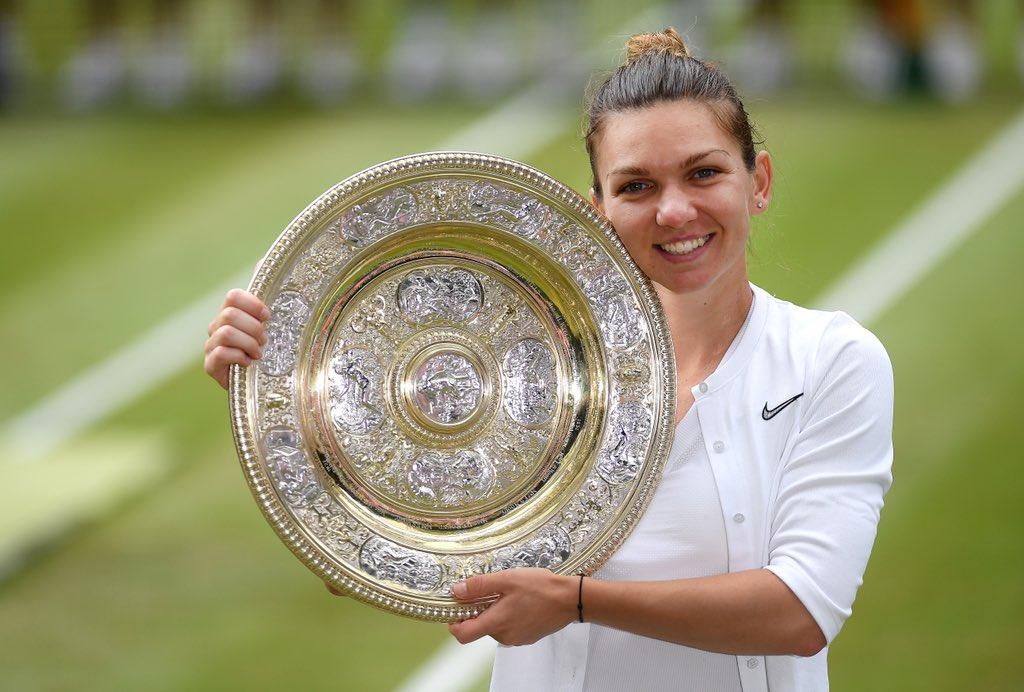 Halep lemosta a pályáról Serenát, először van román bajnoka Wimbledonnak
