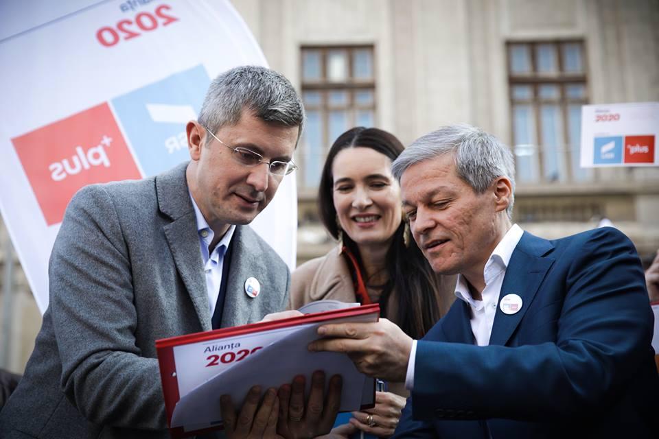 Együttműködést javasol az ellenzéknek és más közéleti szereplőknek az USR-PLUS szövetség