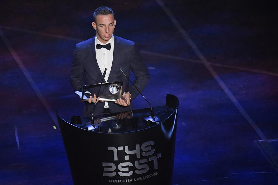 Hatalmas siker: A nagyváradi születésű Zsóri Dániel kapta idén a Puskás-díjat, legyőzte Messit is