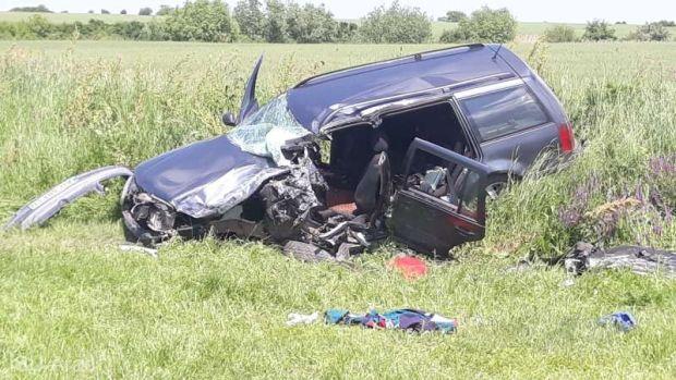 Súlyos baleset Arad megyében, a rossz minőségű út miatt történhetett az ütközés
