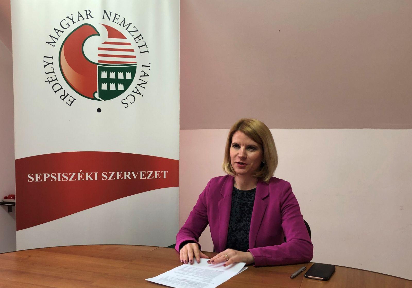 Sándor Krisztina: Magyarok pénzéért magyar szót!