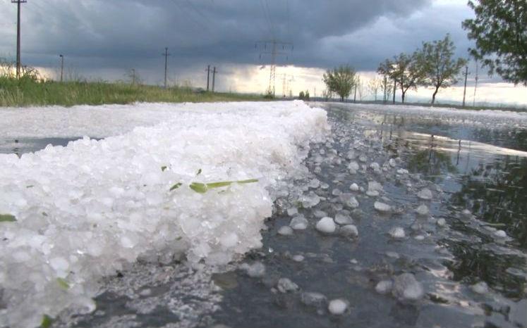 Tíz perc alatt jégtakaróba borult Dâmboviţa megye