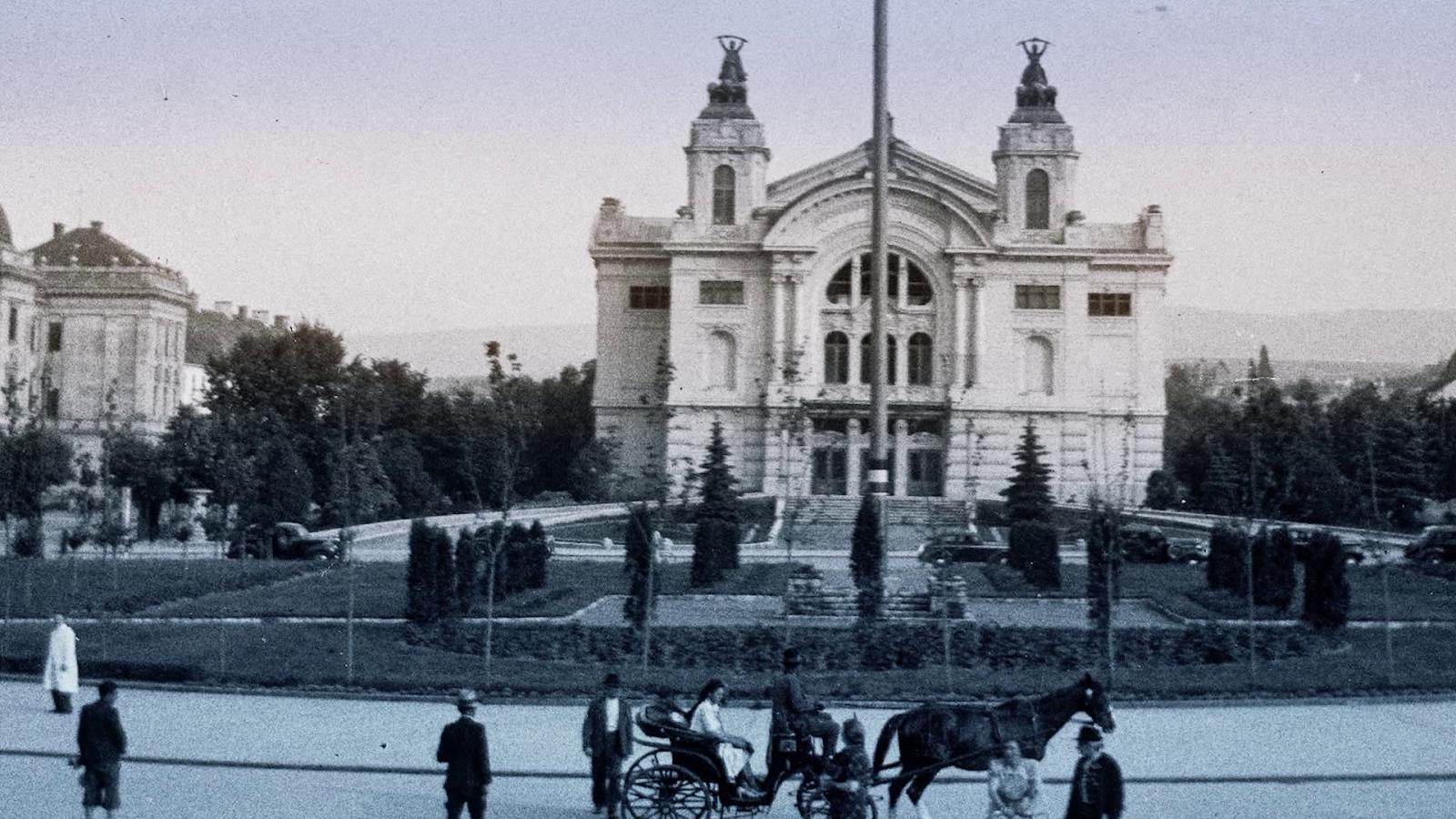 A Hunyadi-téri új színház